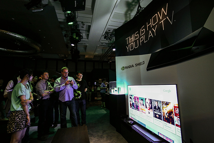 NVIDIA's Tom Petersen shows off our new SHIELD home entertainment device.